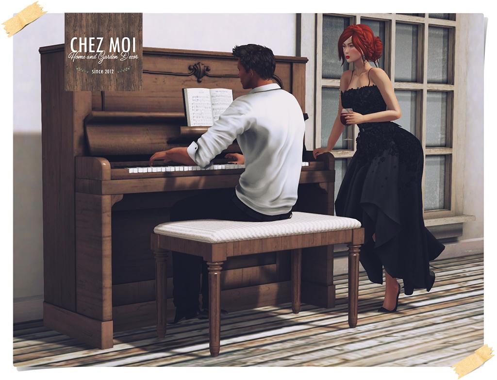 Vintage Piano Wood L CHEZ MOI